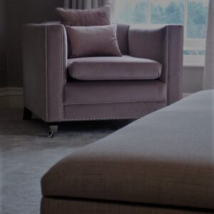 medici chair pink